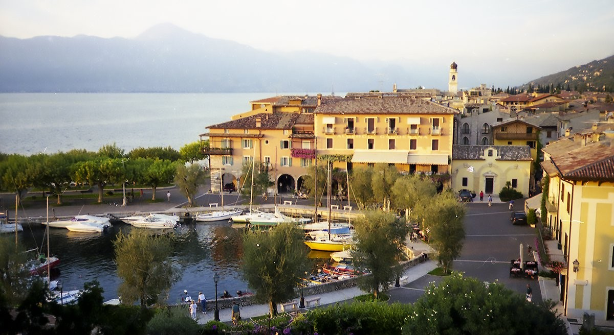 Lake Garda for Better or Verse: The Mad Poet's Society