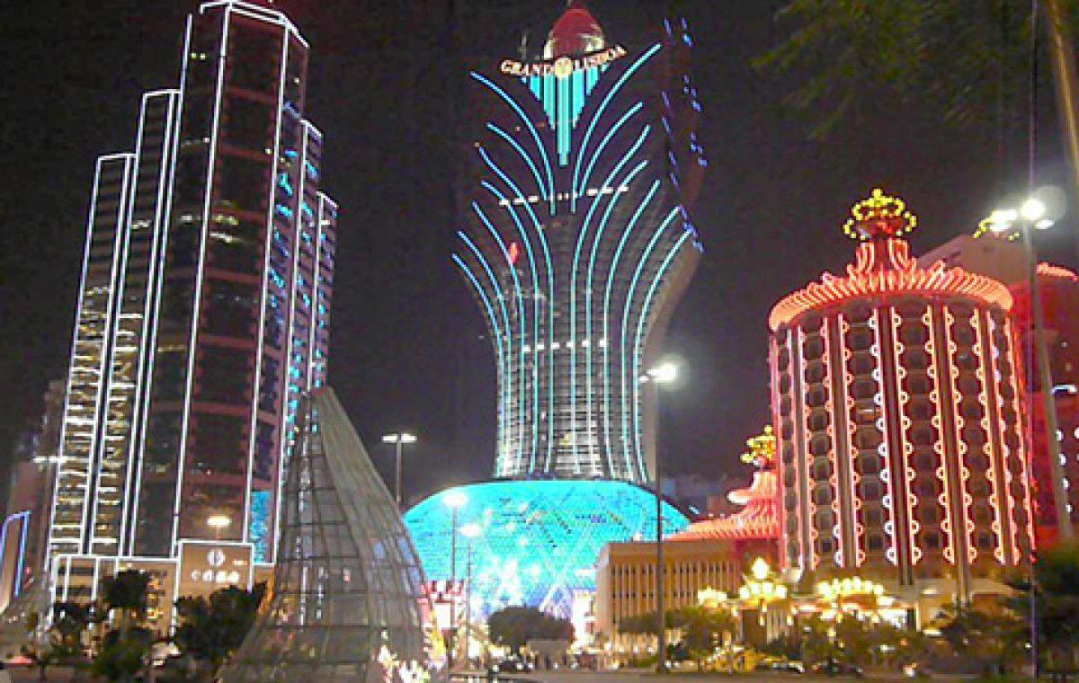 Oceans Apart: Las Vegas and East Las Vegas